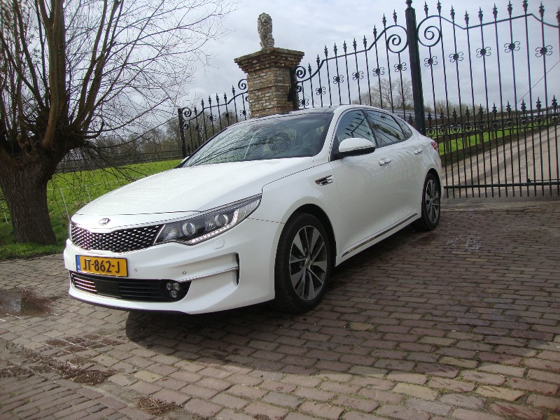 KIA OPTIMA 1.7CRDI FIRST EDITIE