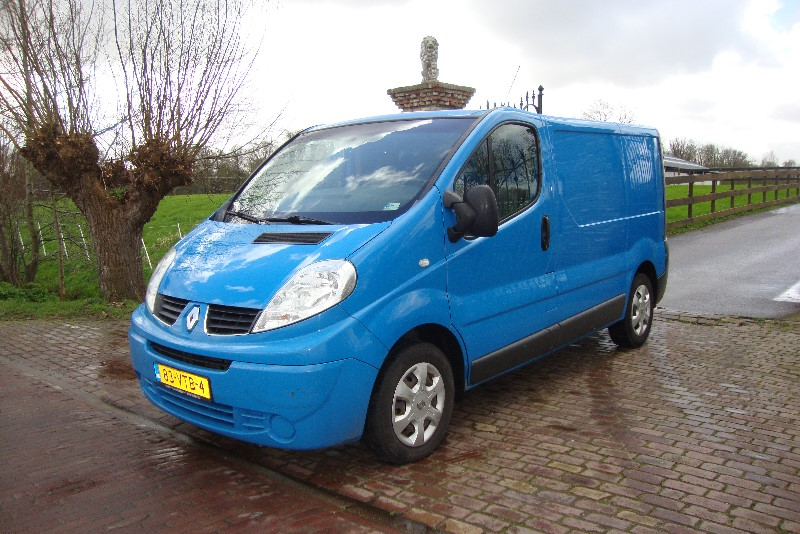 RENAULT TRAFIC 2.0DCI AUTOMAAT