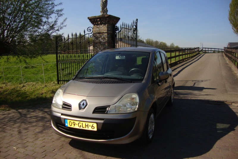 RENAULT    GRAND MODUSTce 100 Expression Luxe