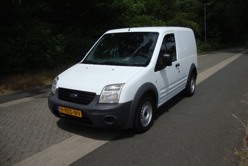 FORD TRANSIT CONNECT 1.8DCI BUSINESS